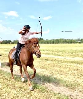 riitta kosonen ratsastusjousiammuntakurssilla