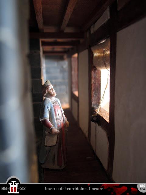 Interno del corridoio e finestre