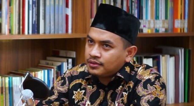 Tak Heran PAN Merapat ke Jokowi, Aziz: Dekat dengan Istana Lezat dibanding Dekat dengan Rakyat