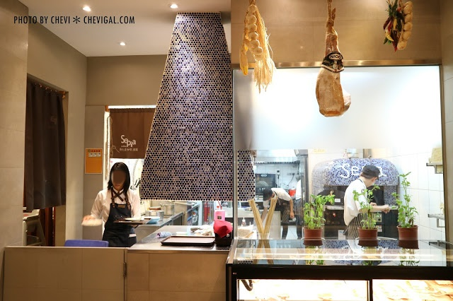 IMG 2803 - 台中朝馬│斯比亞咖啡*鬧區中的寧靜與典雅。多層次香氣觸動味覺感官