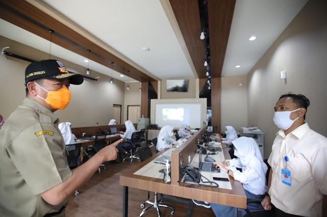 Pantau Kesiapan Sekolah PTMT, Satgas Penanganan Covid-19 Pastikan Pelaksanaan Sesuai Prokes