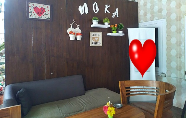 Sofa sudut, tempat nyaman update blog