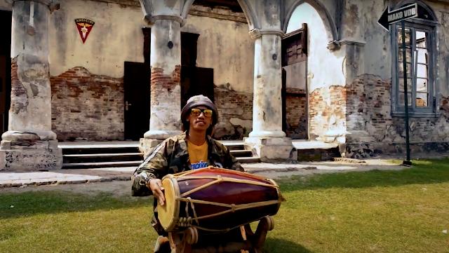 Gendang dan Gamelan Khas Bayu Onyonk Warnai Lagunya Abon Jhon Dalam Cinta Saja Indonesia