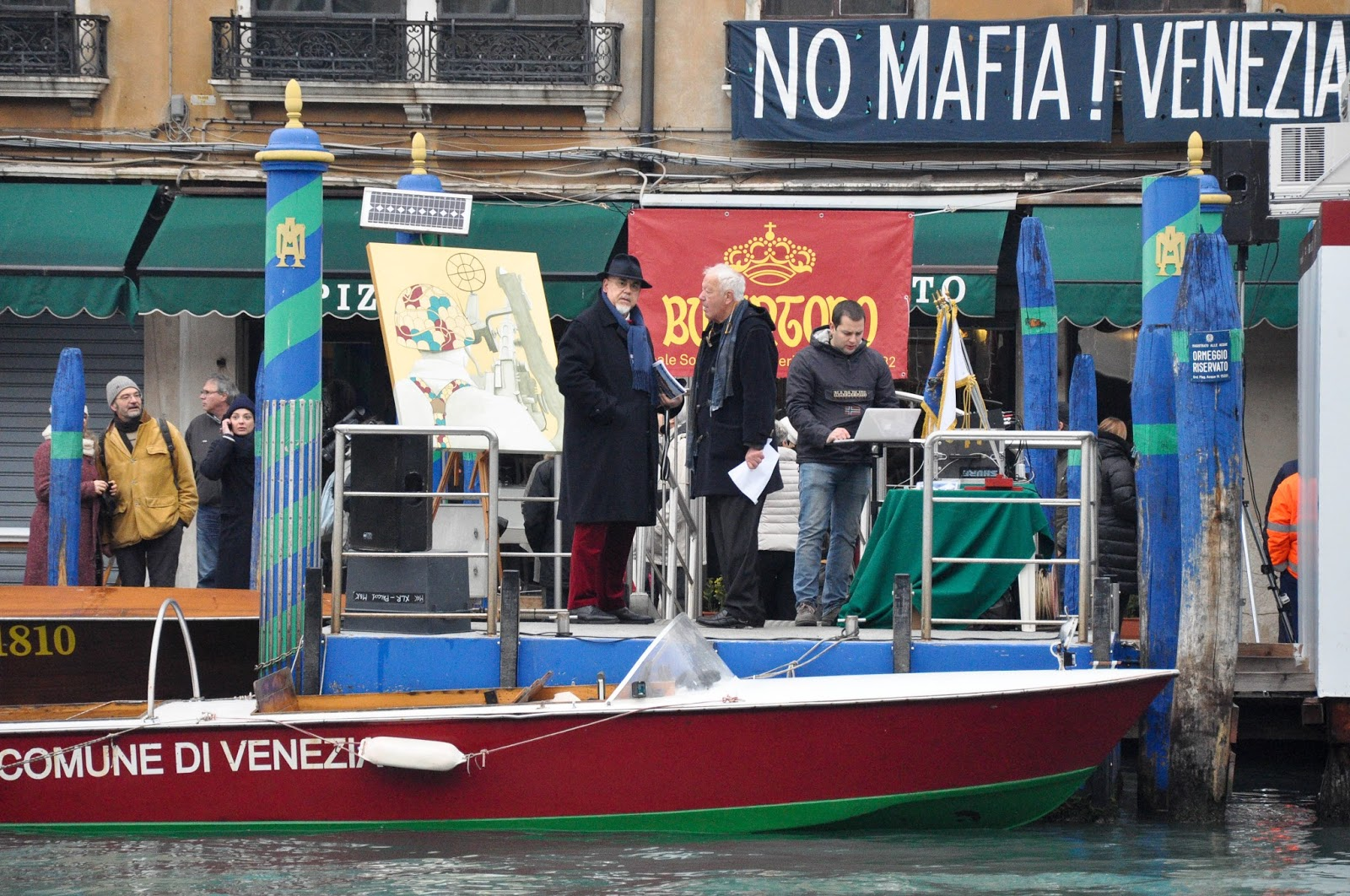 The platform, Befana race, Venice, Italy