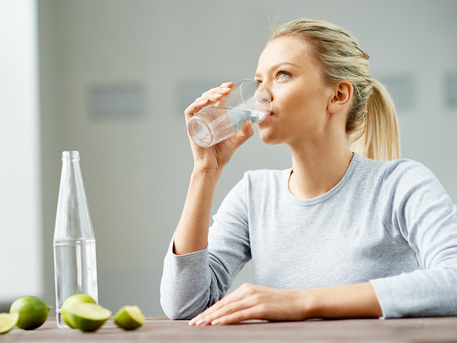 6 Simple Steps to Losing Water Weight Easily