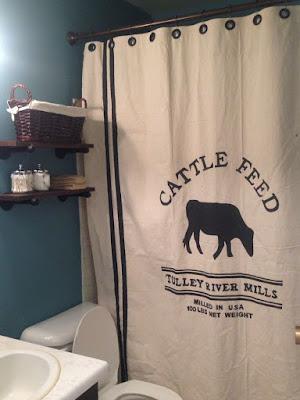 Farmhouse bathroom decoration with shower curtain