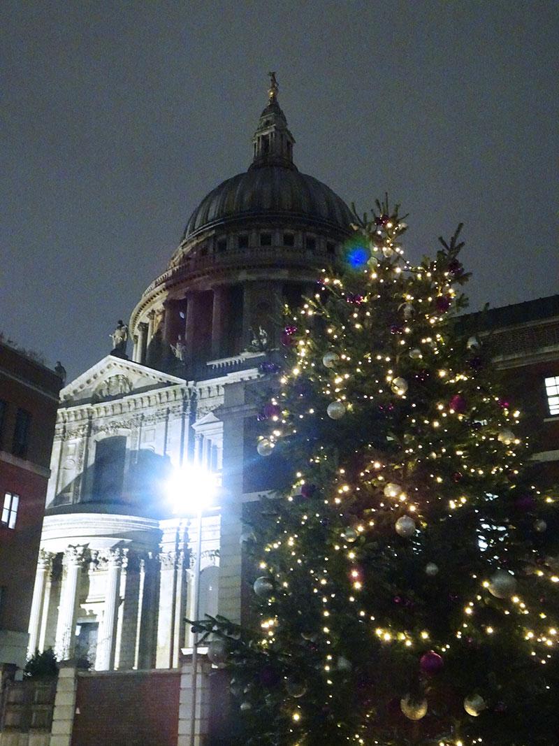 London_Gorgeous_Christmas_Lights_Photographs_St_Pauls