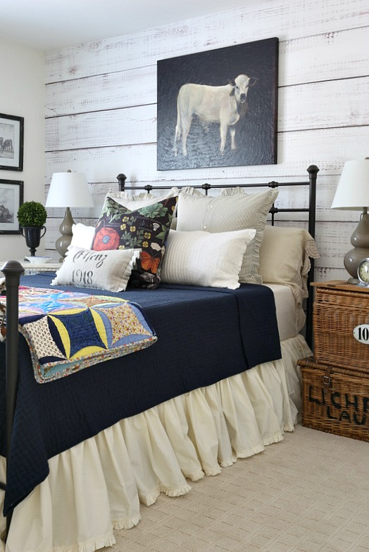 Savvy southern style cozy fall farmhouse style bedroom for Farmhouse style bed