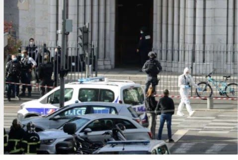 A knife in a French church has killed three people in a suspected terrorist attack