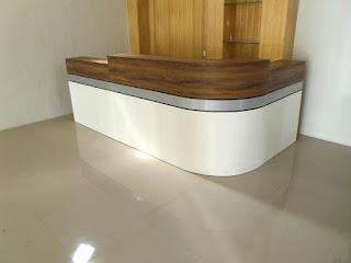 Etalase Toko Display Pakaian Bahan Veneer Tekstur Kayu + Furniture Semarang