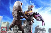 S.H. Figuarts Ultraman X MonsArmor Set 42