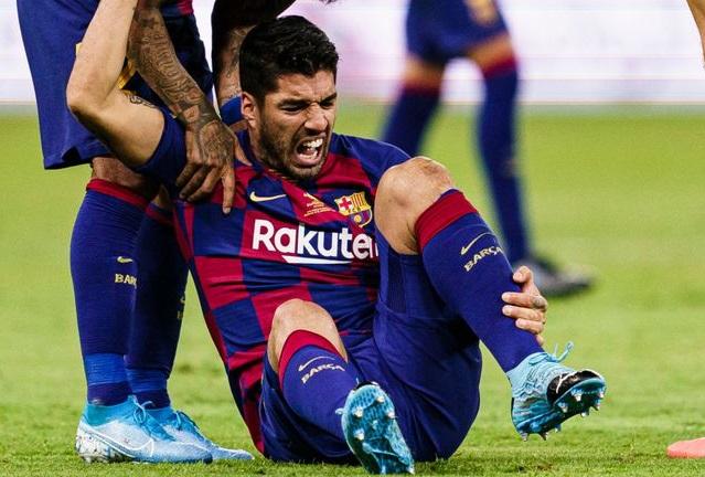 Barca sốc nặng với thời gian Suarez 'ngồi chơi xơi nước'
