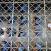 Mais de 40 detentos de presídio em MG passam mal e são hospitalizados