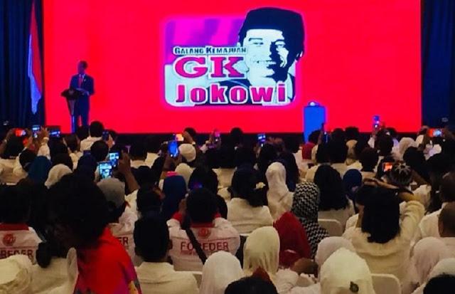 Jokowi di depan relawan