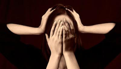 Ilustrasi serangan migrain