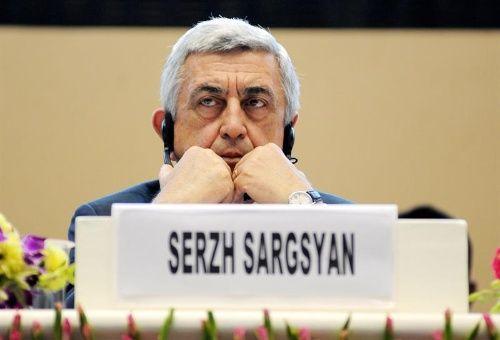 Primer ministro de Armenia renuncia a su cargo tras protestas