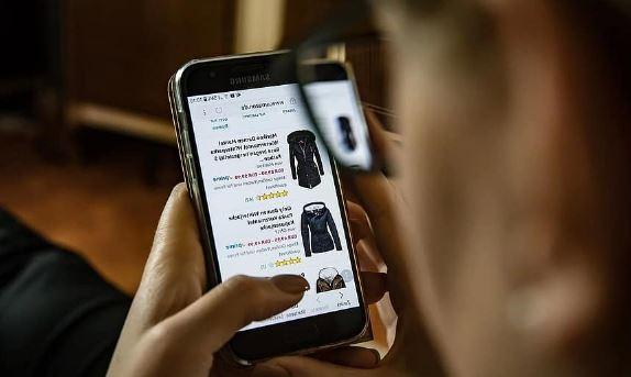 https://www.abusyuja.com/2020/09/hukum-jual-beli-online-e-commerce-dalam-islam.html