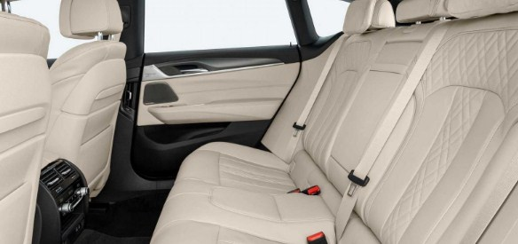 2020-BMW-6-series-gran-turismo-seats.jpg