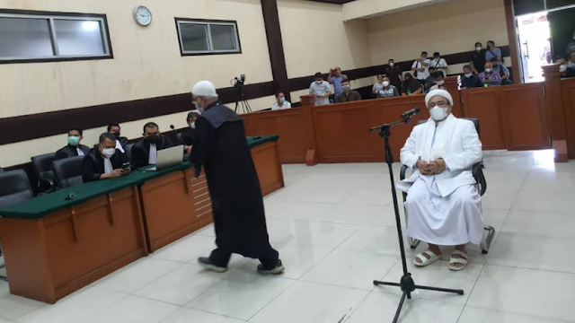 Hakim Sebut Denda Rp 50 Juta yang Dibayar Habib Rizieq Hanya Sanksi Administratif