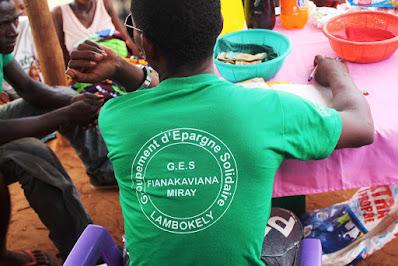 T-shirt GES Fianakaviana Miray à Lambokely