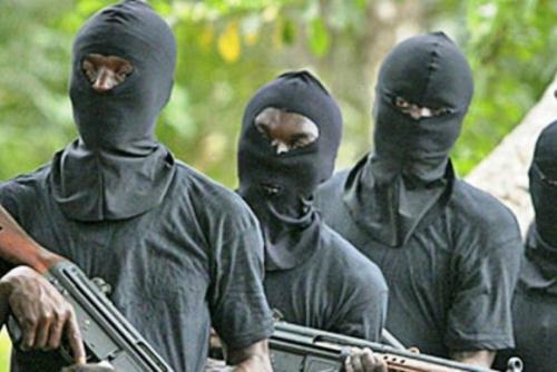 Gunmen attack Police Station, kill 6 Officers