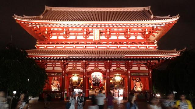 Templo Asakusa de noche