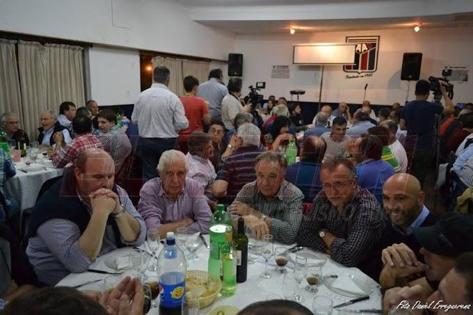 Una cena con los protagonistas de la Historia