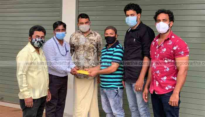 Aid handed over to student who was seriously injured in accident