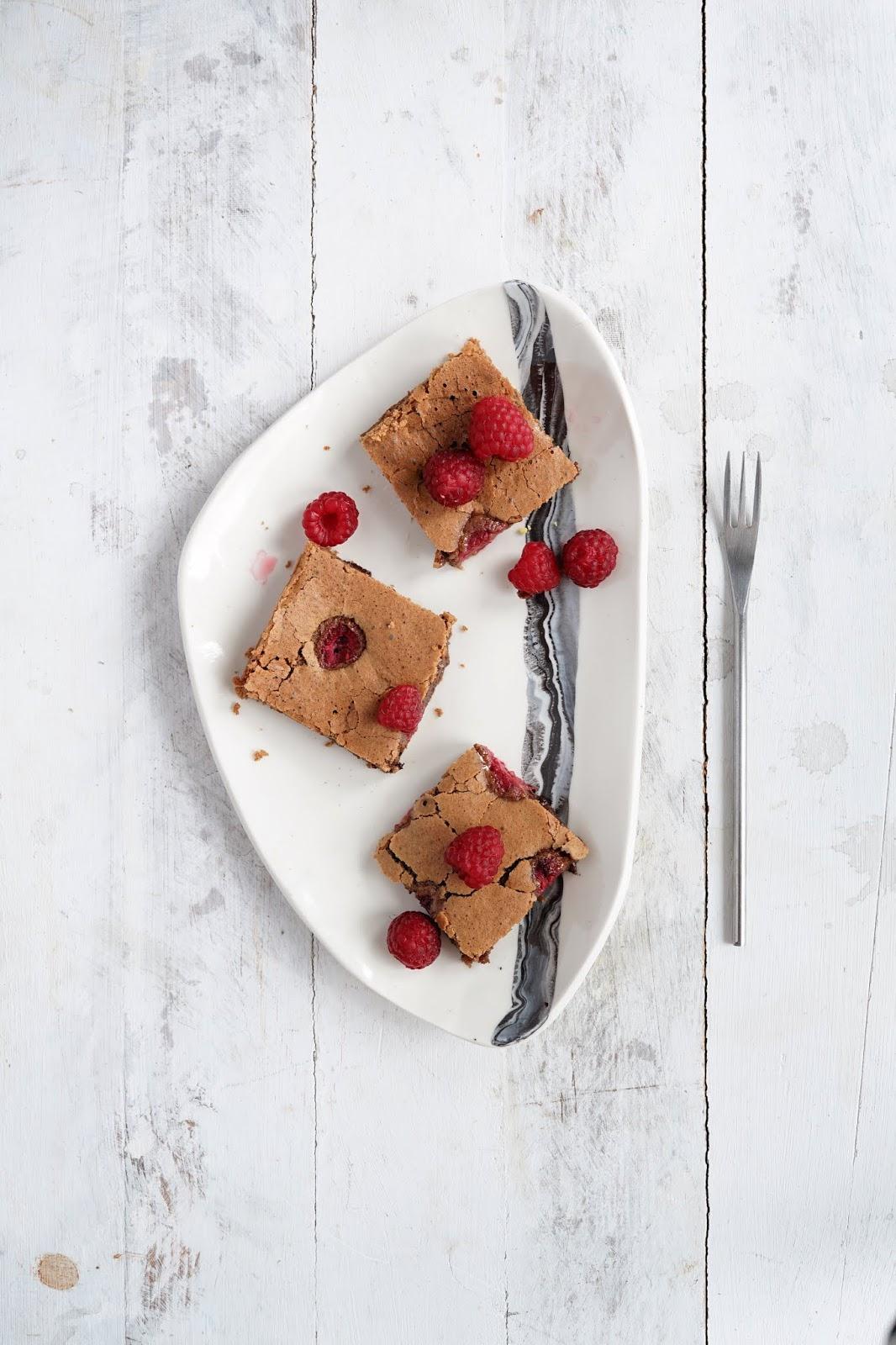 Bezglutenowe brownie z owocami