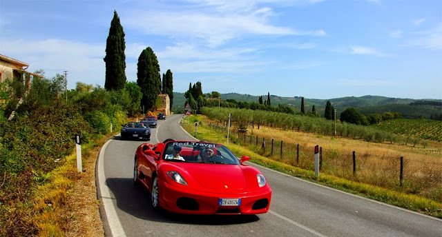 Como se locomover de carro em Roma