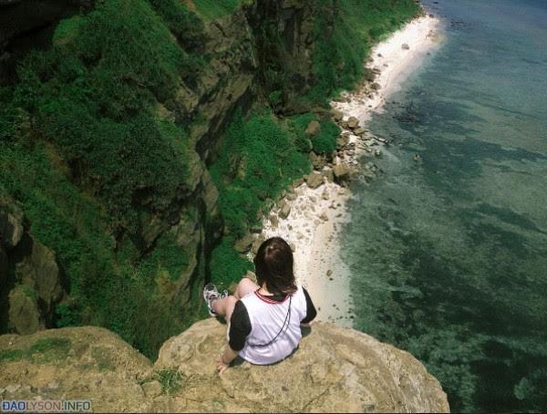 """Nếu bạn đủ dũng cảm, hãy thử cảm giác """" Chênh vênh"""" trên núi Thới Lới"""