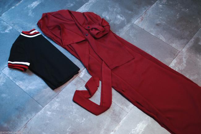 NewIn_SheIn_クラブストライプ袖のブラック半袖クロップドTシャツ、バーガンディー薄手ガウンスーパロングアウター