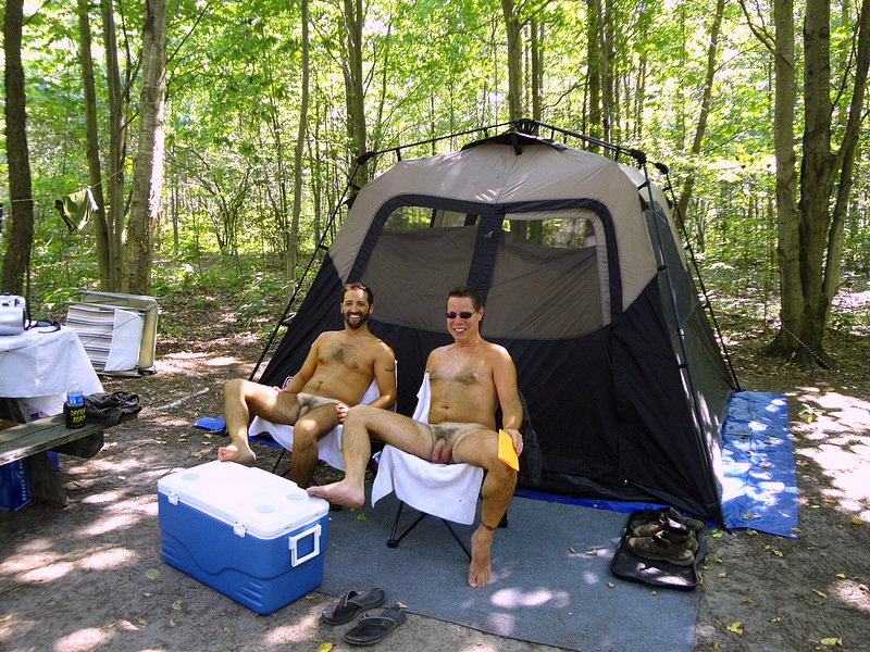 Sexy male campers — img 13