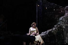 Cilea: L'Arlesiana - Samuel Sakker, Fflur Wyn - Opera Holland Park 2019 (Photo Ali Wright)