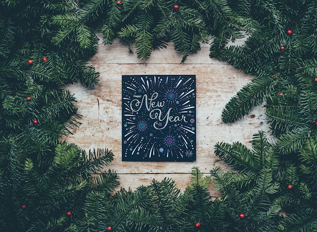 New Year Sign:Photo by Annie Spratt on Unsplash