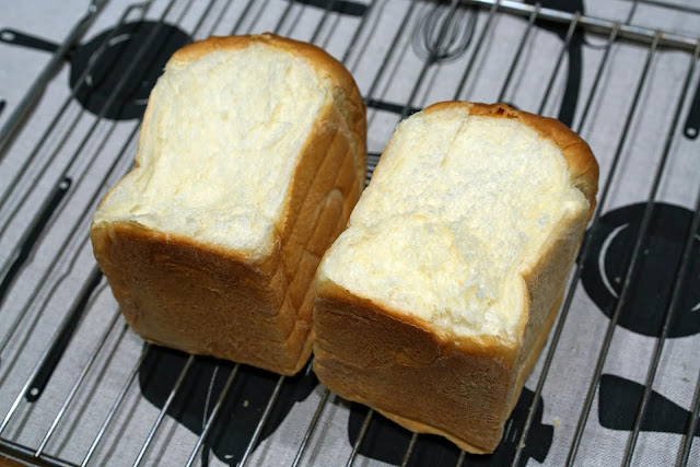 https://sisicooking.blogspot.com/2019/11/toast-bread-recipe.html