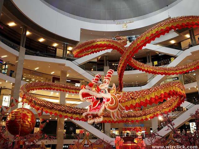 Pavilion Dragon chasing Ball