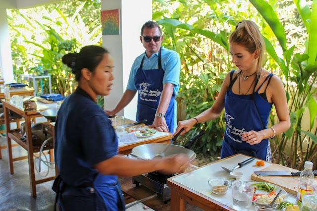 "<img src=""Thai-Cooking-Class.jpg"" alt=""Thai-Cooking-Class-November-25-2014""/>"