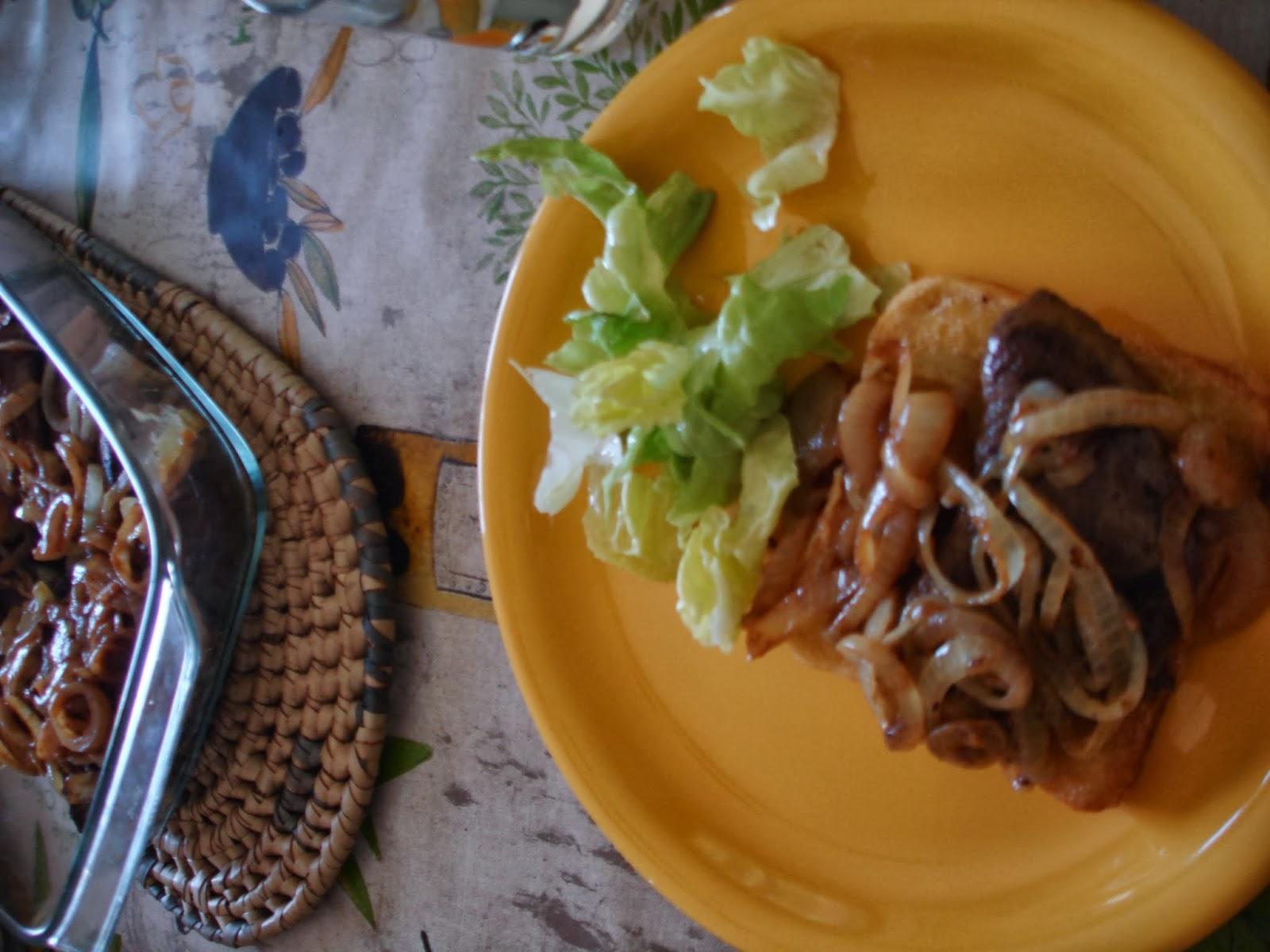 Keranova: Рамстек с лук върху канапе