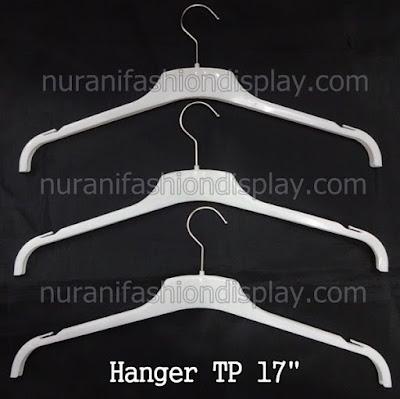 Hanger Kaos Distro