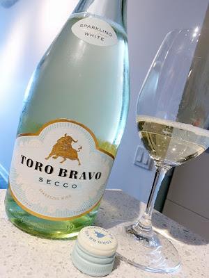 Toro Bravo Sparkling Secco White (85 pts)