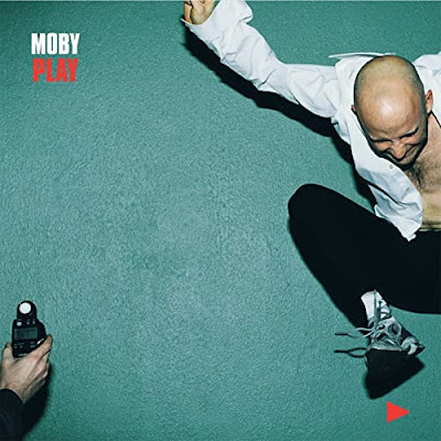 "Avec l'album ""Play"" Moby entre dans la légende notamment avec ""Why Does My Heart Feel So Bad?"""