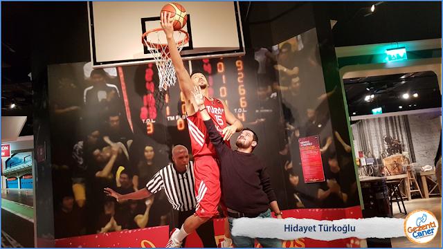 Hidayet-Turkoglu-Balmumu-Heykeli-Madame-Tussauds-istanbul