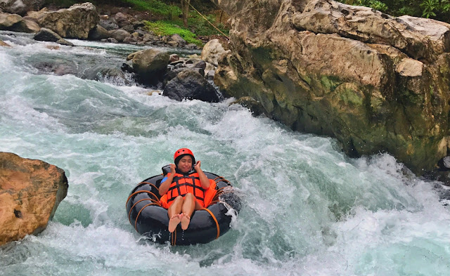 Erica villa enjoying a river tubing in Tibiao, Antique