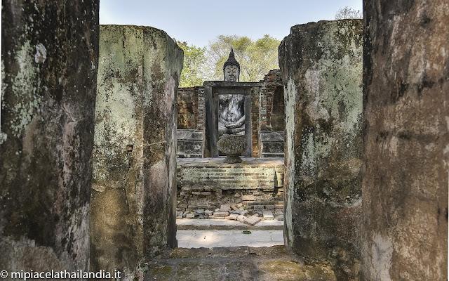 Wat Si Chum, Sukhothai, little mandapa