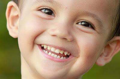 Tips Menjaga Kesehatan Gigi Si Buah Hati