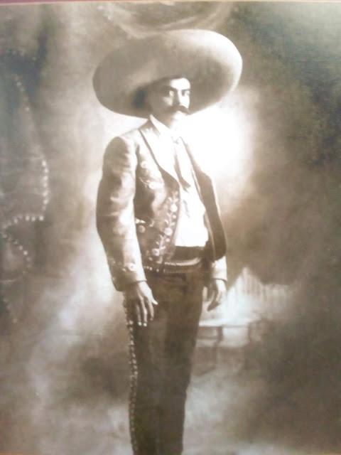 ZAPATA EN LA UNAM