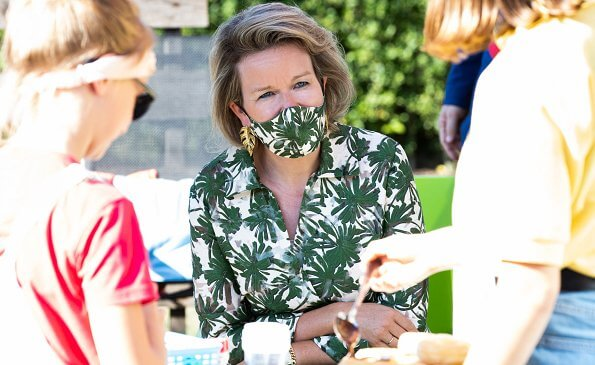 Queen Mathilde's new blouse are from the summer collection of Belgian fashion house Natan