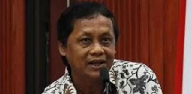 Sastrawan Internasional : Puisi Sukmawati Soekarnoputri Langgar Rambu-Rambu Puisi
