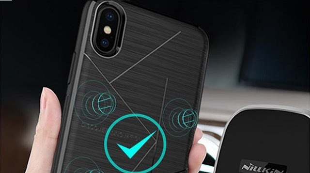 The-phone-will-be-charged-with-the-back-cover